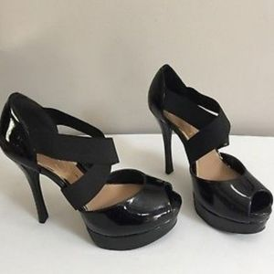 JESSICA SIMPSON BLK PATENT LEATHER HEELS